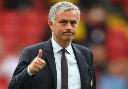 Mourinyu ən yaxşı məşqçi seçildi