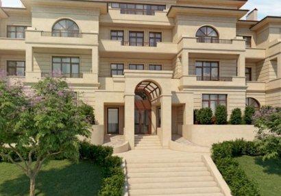 Azərbaycanlı futbolçu məşhur ifaçının 2 villasını satın aldı