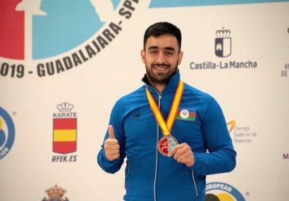 Asiman Qurbanlı gümüş medal qazandı