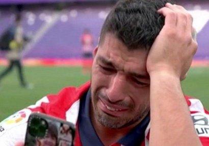 Ulduz futbolçu çempionluqdan sonra ağladı - FOTO