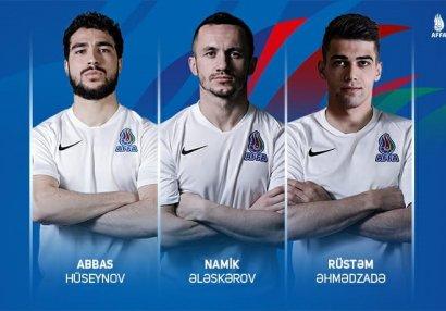 Milli futbolçularımız Moldova ilə matçdan danışdılar