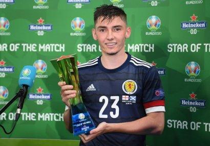 İngiltərə - Şotlandiya matçının ən yaxşısı 20 yaşlı gənc oldu