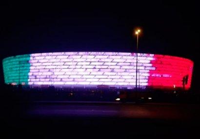 Bakı Olimpiya Stadionu İtaliya bayrağının rənginə boyandı
