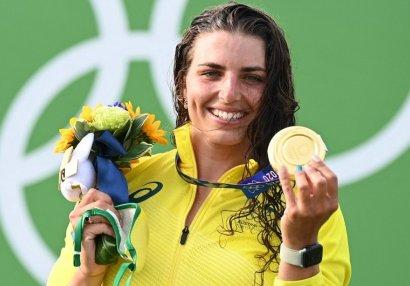 Tokio 2020: Qayığın zədələnmiş hissəsini prezervativlə bağladı, Olimpiya çempionu oldu