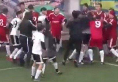 Qazaxıstan futbolunda kütləvi dava - VİDEO