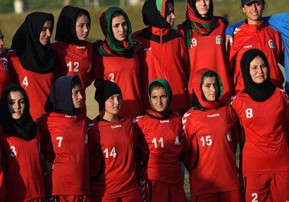 Talibandan qaçan futbolçular Pakistana üz tutdu