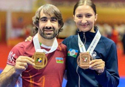 Rafael Ağayev və İrina Zaretska Moskvaya gedir