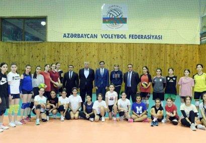 Fərid Qayıbov voleybol federasiyasının fəaliyyəti ilə tanış oldu