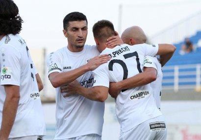 Araz Abdullayev APOEL-ə qarşı oynadı
