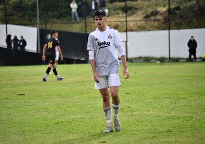 Milimizin futbolçusu ÇL-də debüt etdi -