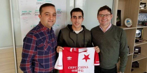 Daha bir azərbaycanlı futbolçu rəsmən Çexiya klubunda - FOTO