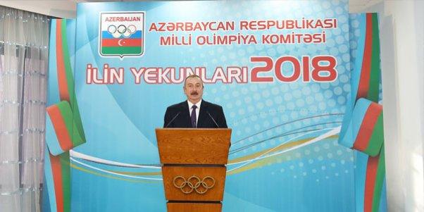 Prezident ilin idman yekunlarına həsr olunan mərasimdə iştirak edib